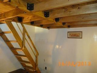 Entrepisos entrepisos hierro madera decks garages las for Como hacer una escalera de madera para entrepiso