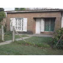 Chalet En Esquina Con Tejas Y Ladrillos A La Vista U$ 70000