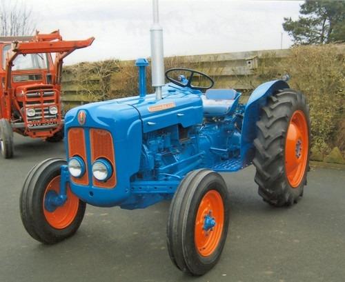 Old Ford Diesel Tractors : Ford dexta