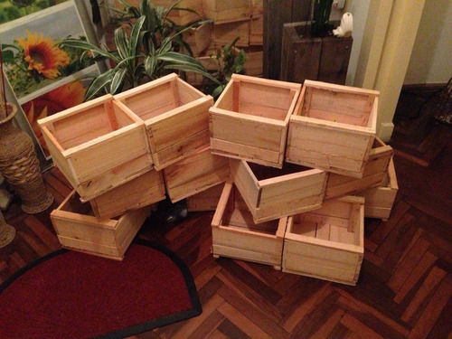Pin macetas de madera on pinterest - Tiestos de madera ...
