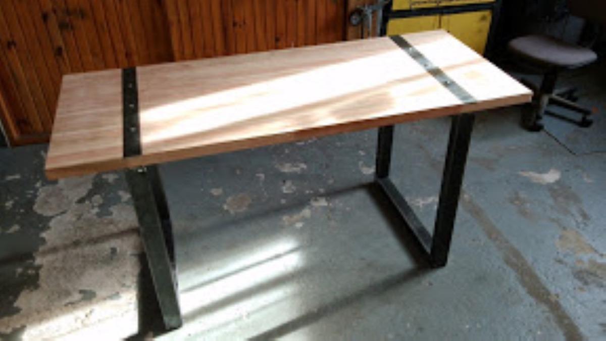 Mesa parrillero rustica mesa de hierro y madera a - Mesas madera y hierro ...