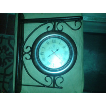 Reloj De Pared Doble En Madera