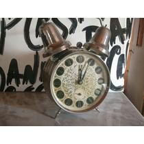 Reloj Antiguo. A Cuerda