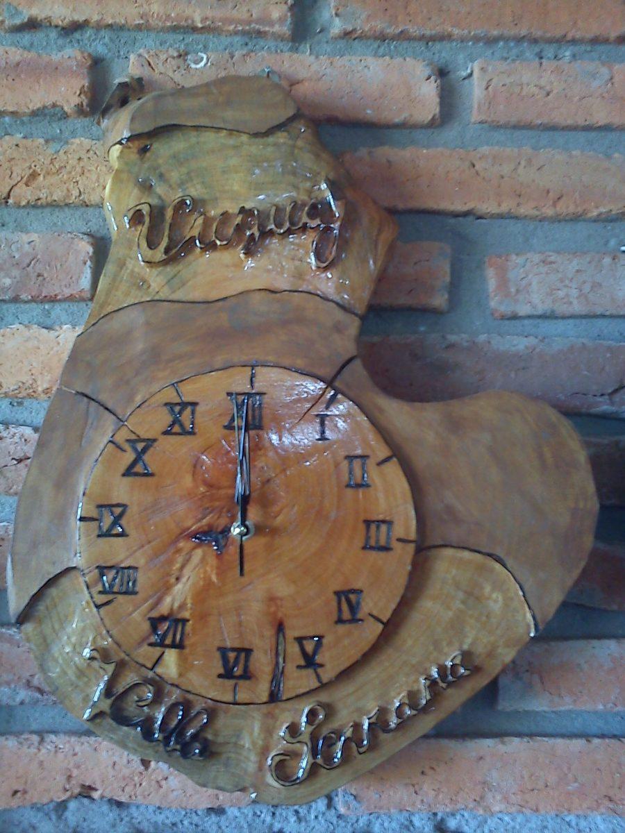 Relojes artesanales tallado y pintados en madera de - Reloj pintado en la pared ...