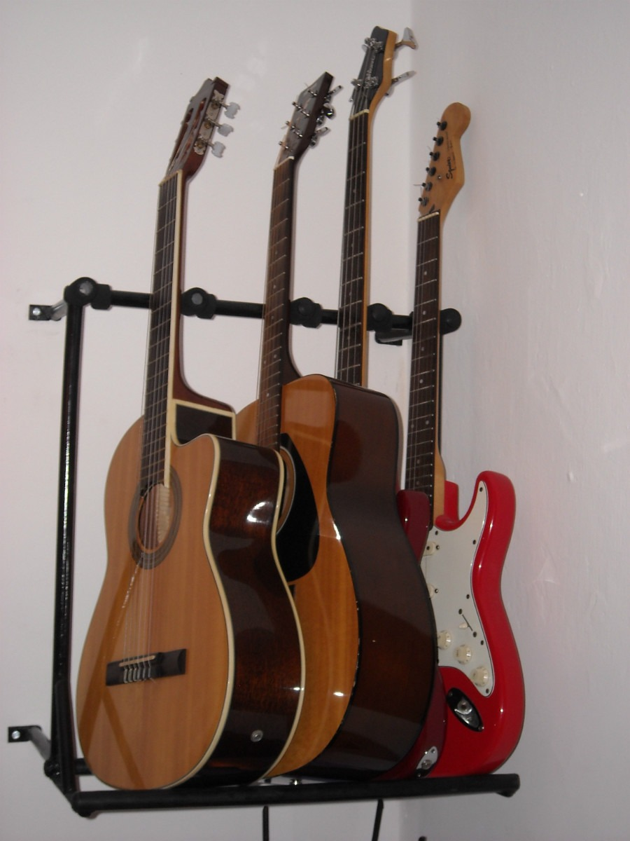 soporte o atril de guitarra para amurar a la pared 1